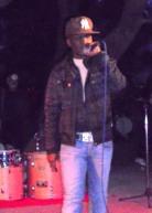 Ο κ. Μάϊκλ Τζάκσον (!!) σε υπέροχα τραγούδια της Κένυας