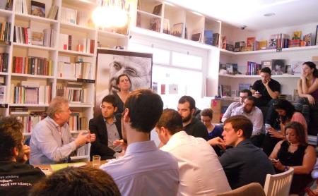 με νέους blogger στο βιβλιοπωλείο Free thinking zone
